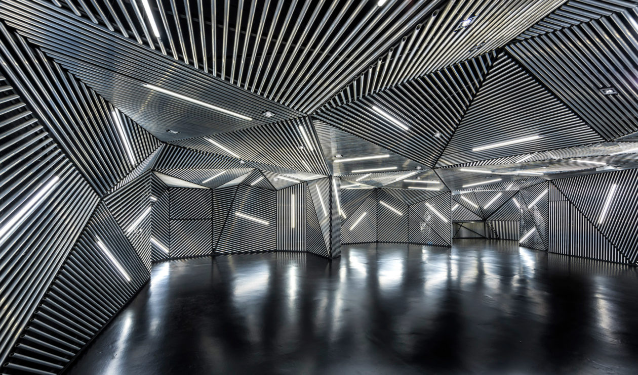 Race Robotics Lab Mod Interiors Singapore Dezeen 2364 Col 2