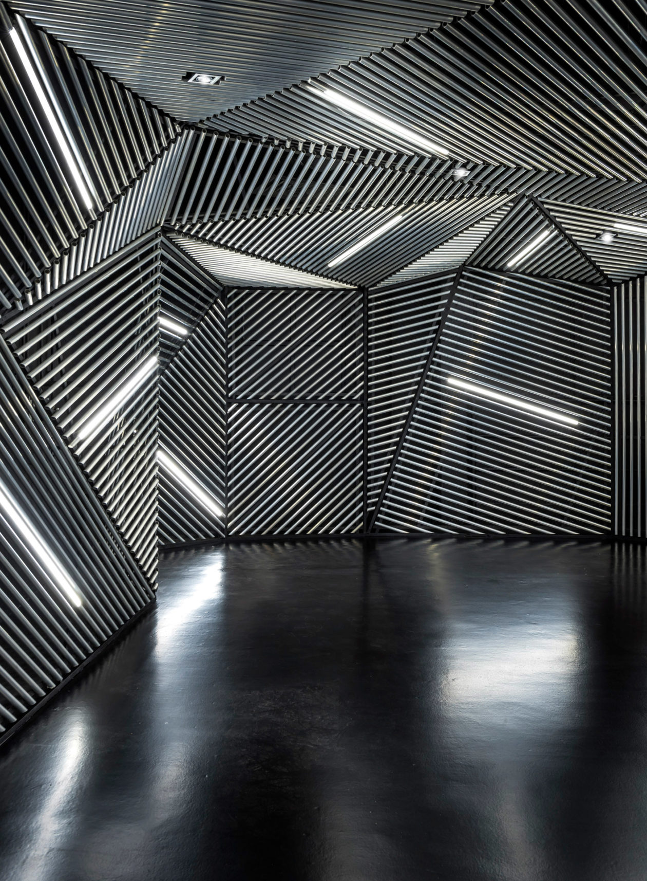 Race Robotics Lab Mod Interiors Singapore Dezeen 2364 Col 5